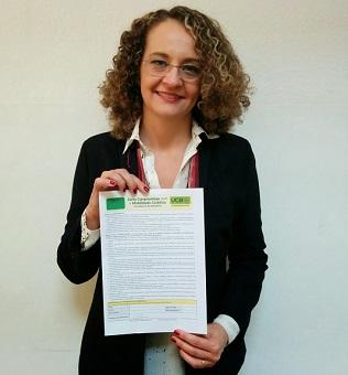 2014-09-28 - Luciana Genro Assina Carta (2)
